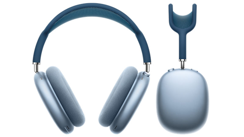 AirPods Max in sky blue